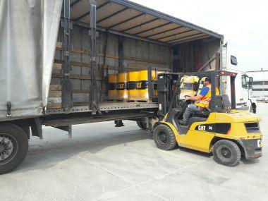 Перевозка запасных частей и антифриза CAT